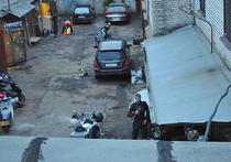 «МК» обнаружил обитателей железных боксов прямо у Красной площади