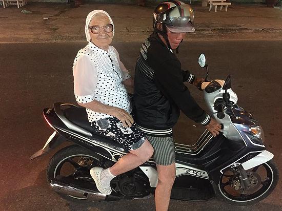 89-летняя баба Лена из Красноярска раскрыла секрет дешевых загранпоездок