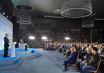 Путин рассказал, как отучить молодежь Крыма от стакана