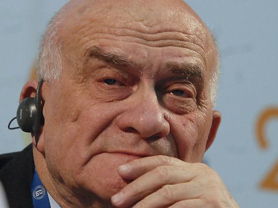 «Я бы плюнул на резервы»: Евгений Ясин нарисовал сценарии российской экономики