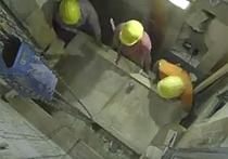 Специалисты впервые за многие столетия  сняли мраморную плиту с гробницы Иисуса Христа  в Храме Гроба Господня, расположенном в Иерусалиме