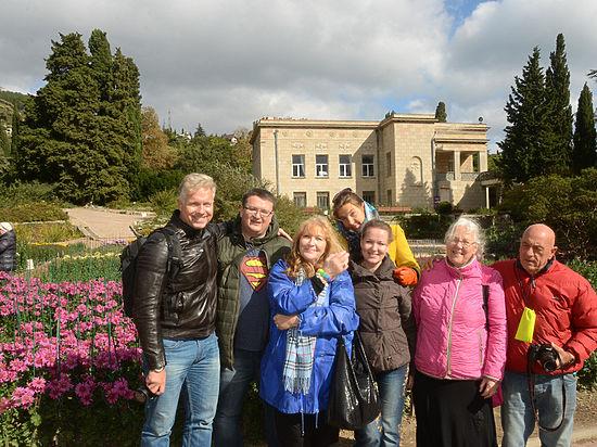 Путешествие иностранцев в Крыму: продюсер «Горы» Клигана спелся с русской голландкой