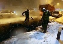 Мощный снегопад, который обрушился на Владивосток в минувшие выходные, не стал помехой для работников дорожных служб