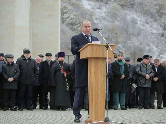 В мемориальном комплексе Карачаевска состоялся митинг