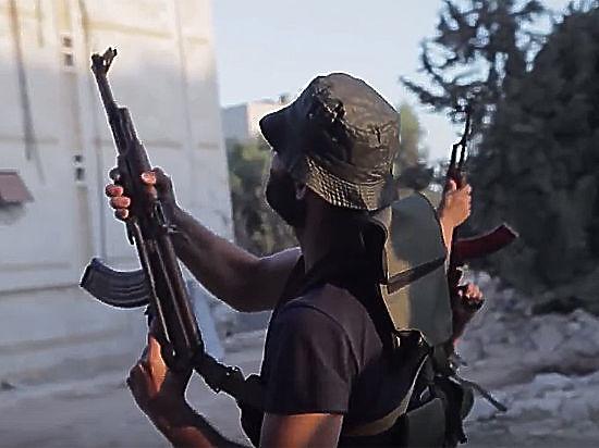 При обстреле гумкоридора в Алеппо ранены двое российских военных
