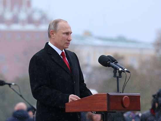 Путин удивил политиков и снайперов на открытии памятника князю Владимиру