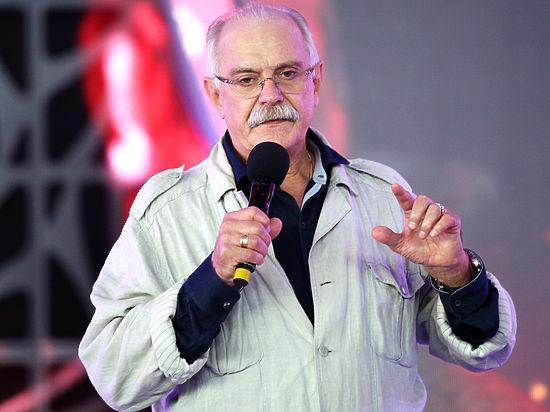 Михалков раскритиковал пренебрежение Райкина к чувствам верующих