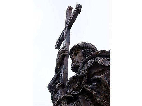 Реальный Владимир не носил бороду: историк о новом памятнике крестителю Руси