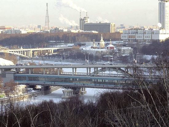 Эксперты рассказали, как застройщики заставляют москвичей закаляться