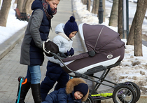 Под кризисный режим экономии попал материнский капитал, размер которого правительство решило «заморозить» на три года