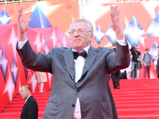 Жириновский отмечает победу Трампа: Пускай бабушка Хиллари отдыхает