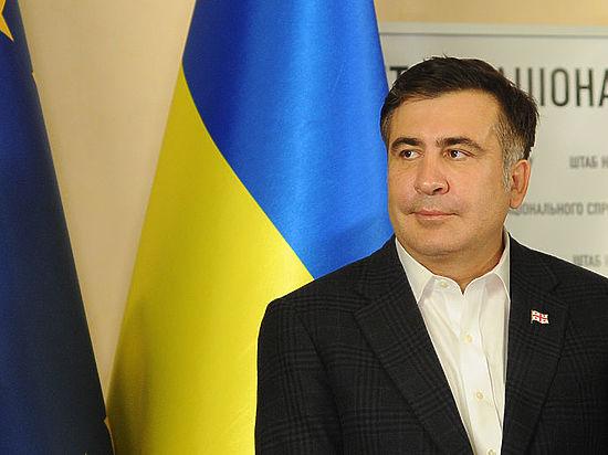 Порошенко принял отставку Саакашвили