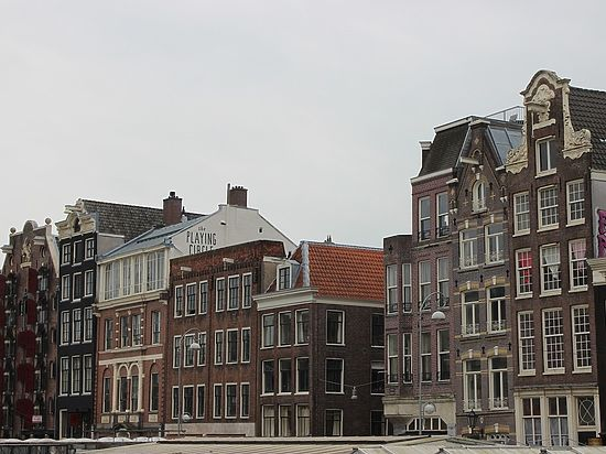 В Нидерландах на крышах установили уличные пылесосы