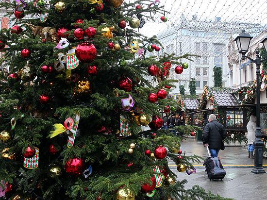 От Лубянки до Троицка: в столице загорятся 35 новогодних ёлок