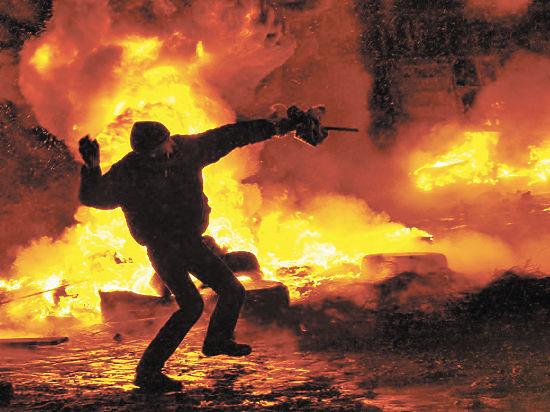 Оливер Стоун покажет «Украину в огне»