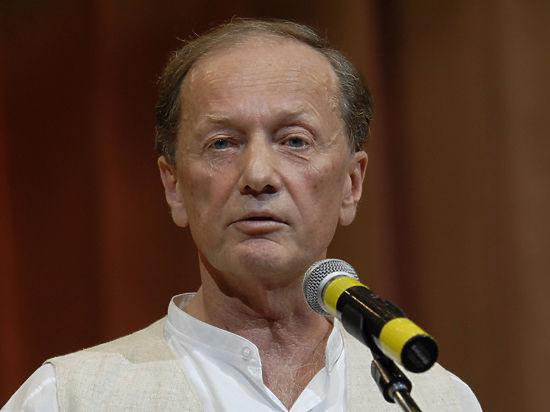 Михаил Задорнов снова отменил концерты и попросил не предлагать колдунов