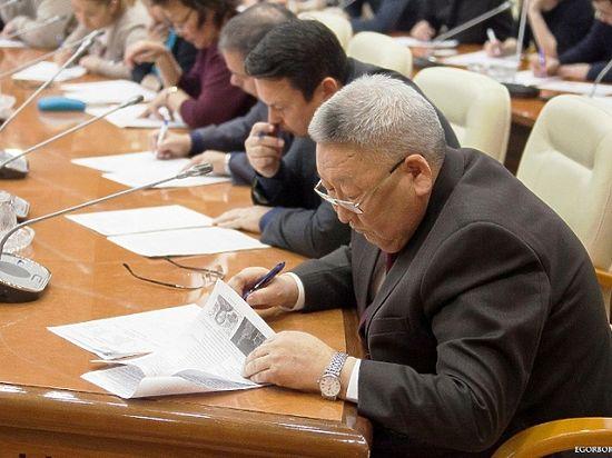 Глава Якутии написал Географический диктант