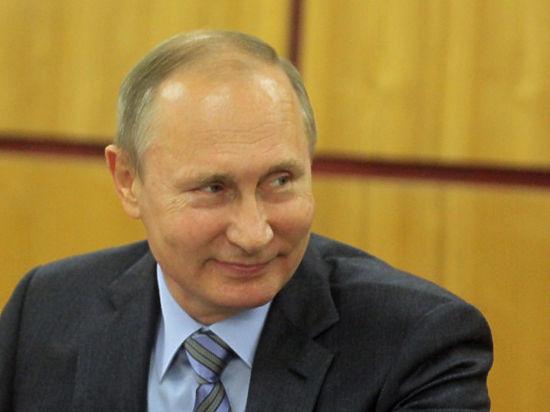 Перуанку Хулию задержали за свитер Путину, а журналисты натерпелись мытарств