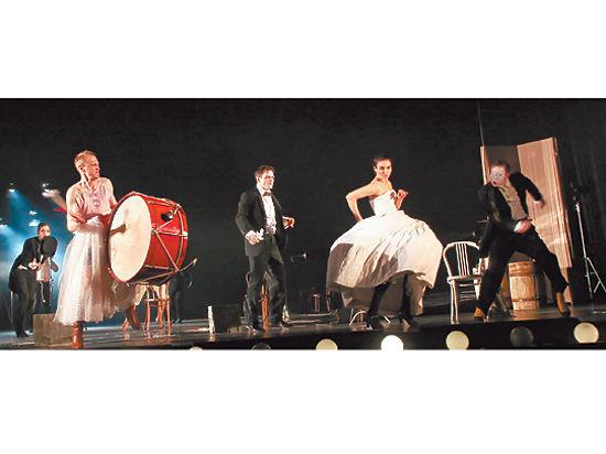 Неудачную пьесу Брехта удачно поставили в Пушкинском театре