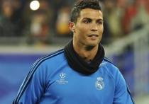Известный португальский футболист Криштиану Роналду назвал себя гомосексуалистом с большими деньгами
