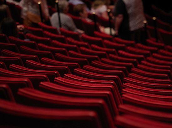 Нецензурные проблемы российского театра