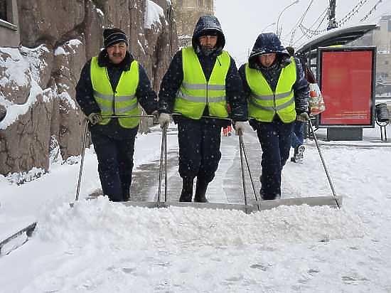 Челябинским бизнесменам пригрозили крупными штрафами за неубранный снег