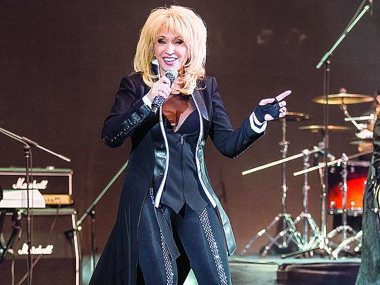 С аншлаговым концертом выступила в концертном зале Event-Hall народная артистка РФ Ирина Аллегрова.
