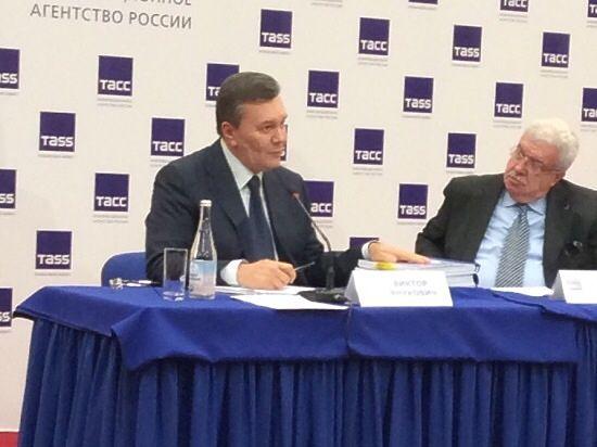 Янукович чуть не разрыдался в Ростове: