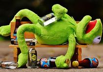 Человек, выпивший лишнего, редко ведет себя так же, как когда он трезв