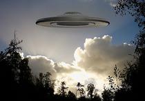 В интернет попала видеозапись, на которой при определённой фантазии можно увидеть огромный НЛО, подпитывающийся энергией Солнца