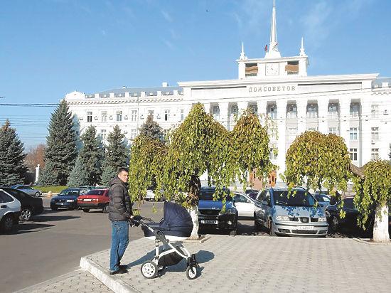 Призрачная жизнь Приднестровья: бронзовый Ленин и вино по 40 рублей
