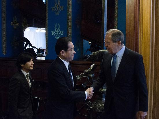 Визит Путина в Японию принесет смягчение визового режима