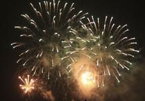 Почувствовать себя истинными пиротехниками и внести свой вклад в создание общего новогоднего настроения смогут в этом году москвичи на 112-ти площадках, предназначенных для запуска фейерверков горожанами