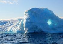 Многих удивляет, почему Гренландия, «зеленая страна», покрыта льдом, в то время как Исландия, «страна льда», славится своими зелёными пейзажами