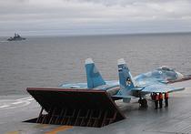 """Минобороны России прокомментировало сообщения СМИ о том, что истребитель Су-33 упал в воду с палубы авианесущего крейсера """"Адмирал Кузнецов"""" из-за ошибки пилота"""
