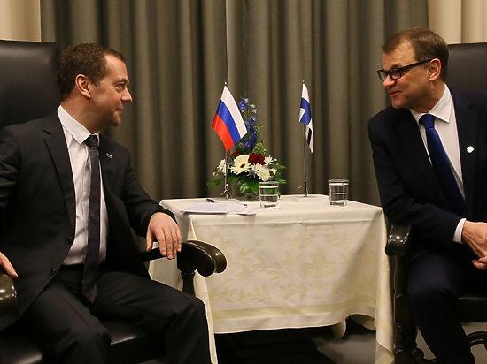 Юха Сипиля, несмотря на всю теплоту встречи, не преминул заявить о поддержке антироссийских санкций