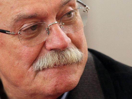 Михалкову припомнили восхищение Ельциным после слов о «разрушительных инъекциях» «Ельцин-центра»
