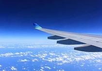 Из-за сложных погодных условий летевший из Москвы самолет «Боинг» буквально несколько часов назад только с третьей попытки смог благополучно приземлиться в аэропорту города Анапы — отказывало сцепление