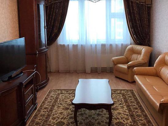 «Ножка стула внутри телевизора»: тайны квартир ведущих политиков России