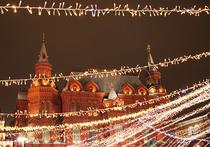 Неизвестно, с чем связано решение президента никуда не ездить на Новый год, но у большинства россиян такой мотив вполне понятен — путешествовать ныне слишком дорого