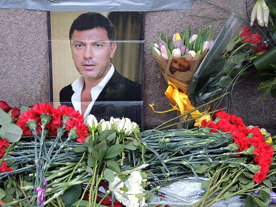 Убивать Немцова киллеры учились на сосне