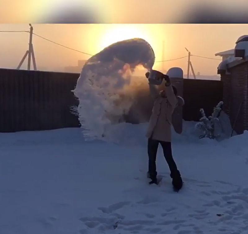 Сибирь накрыло диким морозом: что происходит при минус 52 градусах