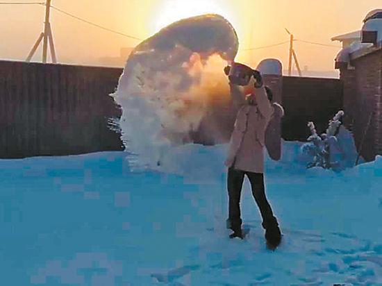 Москвичи встретят Новый год под зонтиком
