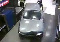Водитель автомобиля ВАЗ-2115 получил 15 суток за гонки по аэропорту Казани в состоянии наркотического опьянения