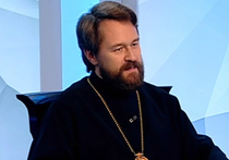 У здания ансамбля Александрова прочитал поминальную молитву митрополит Иларион