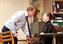 В театре Наций идут премьерные спектакли ранней пьесы Чехова «Иванов»