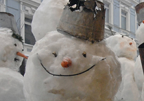 Группа исследователей, представляющих Университет Западного Онтарио, создали снеговика, достигающего в высоту не более трех микронов, или 0,003 миллиметра