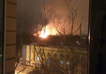 Страшный пожар, бушевавший более 12 часов, почти полностью уничтожил старинное здание колледжа космического машиностроения и технологии в подмосковном Королеве
