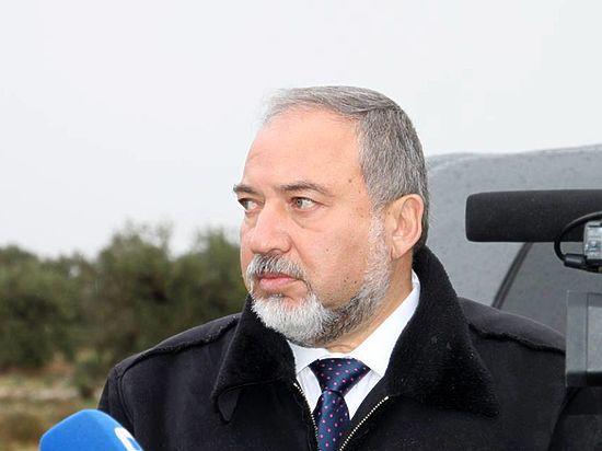 Русскоязычный министр обороны Израиля призвал евреев бежать из Франции
