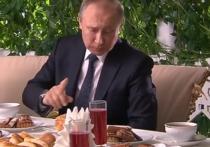 """Пресс-секретарь президента России Дмитрий Песков назвал """"личной жизнью президента"""" то, как он будет отмечать Новый год"""